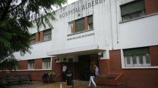 La mujer agredida por su expareja quedó internada en el Hospital Alberdi.