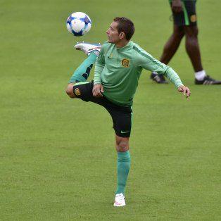 Sin dolor. El goleador canalla no sintió molestias en el amistoso ante Vélez.