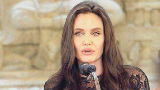 En Camboya, la actriz habló sobre su pasado junto a Brad Pitt