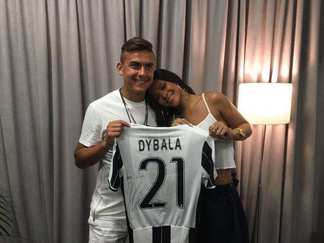 Dybala le decidó un especial mensaje a la cantante