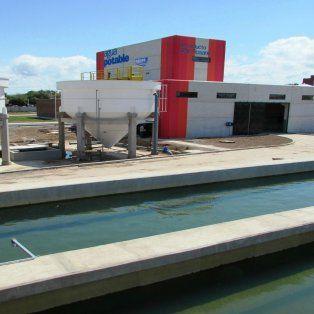 La obra permitirá abastecer a la ciudad desde la nueva planta ubicada en Granadero Baigorria. (Foto de archivo)