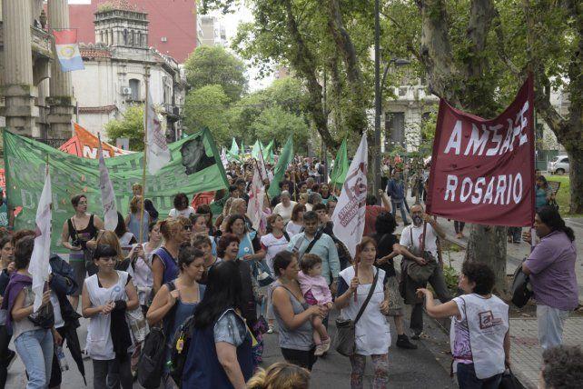 Amsafé Rosario votó entre cinco mociones que proponen paro.