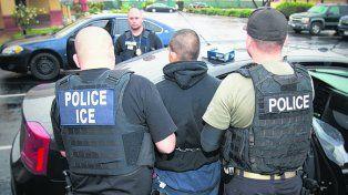 severidad. Aún los que fueron arrestados por causas leves serán deportados.