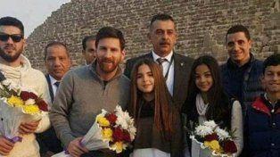 Lionel Messi estuvo de campaña contra la hepatitis en Egipto