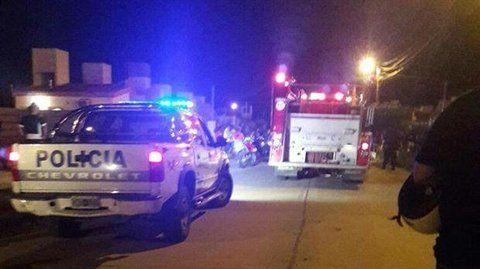el barrio. La llegada de los bomberos y la policía se dio cuando no se podía salvar la vida de los chicos