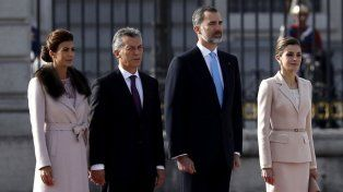 Los reyes le dieron la bienvenida al presidente Macri en su primera visita oficial a España