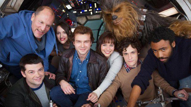 Los fans de Star Wars celebran la primera imagen de la película sobre Han Solo