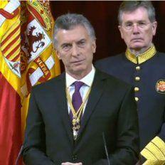 El presidente Mauricio Macri se dirige a los legisladores en el Congreso de los Diputados, en Madrid.