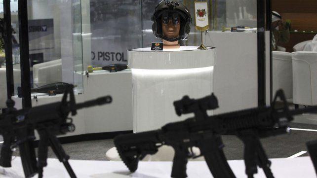 La Feria de Defensa más grande de Oriente Próximo comenzó en Abu Dhabi
