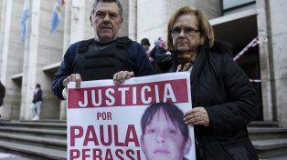 Alberto y Alicia Perassi, los padres de Paula, la joven desaparecida en San Lorenzo en 2011.