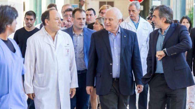 El gobernador Miguel Lifschitz visitó hoy el Hospital José María Cullen en la capital provincial.