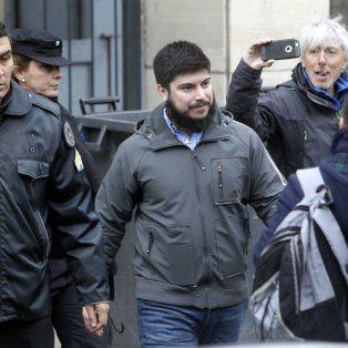 Leandro Báez aceptó responder preguntas del juez Claudio Bonadío. Su hermano Martín entregó un escrito.