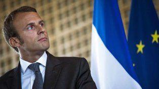 Francia: Macron logra el apoyo de un centrista con votos