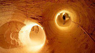 Las sorprendentes imágenes de una ciudad subterránea en medio del desierto de Australia