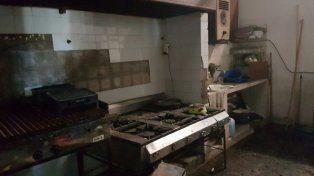 Crudas imágenes del estado de deterioro y abandono de un club rosarino