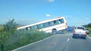 Al menos seis muertos y 20 heridos en un choque entre dos ómnibus a la altura de Pérez