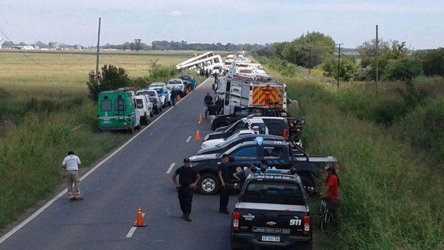 Tragedia en la ruta 33: trece muertos y varios heridos tras choque entre dos micros