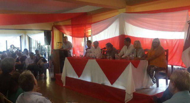 La cumbre radical en Villa Giardino contó con la presencia de militantes y referentes de todo el país.