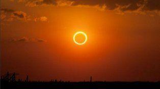 Comenzó el eclipse de sol anular, que puede verse desde cualquier punto del país