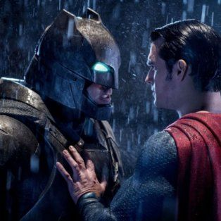 batman vs. superman y un documental sobre hillary clinton, los peores films segun los razzie