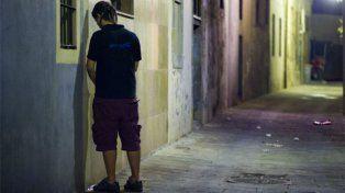 Lisboa le declara la guerra a los que orinan en la calle con paredes vengativas