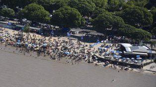 Guardavidas recomendaron abandonar el agua ante la menor duda sobre la presencia de palometas en el río.