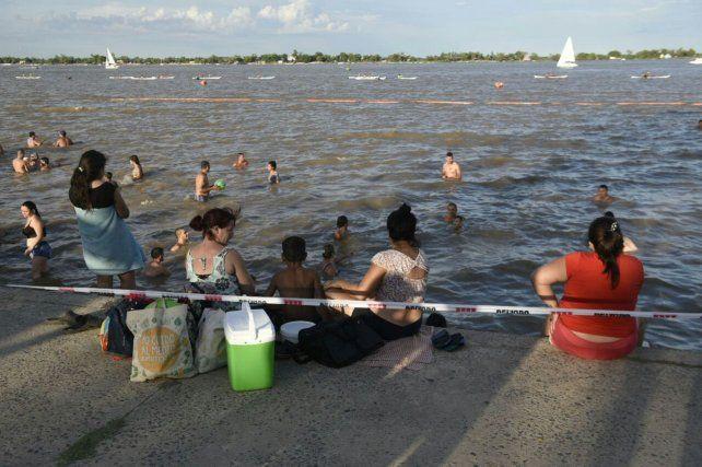 La GUM instaló una faja para evitar el ingreso de bañistas al río