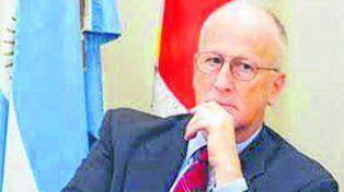 asombrado. El Fiscal General Julio de Olazábal se mostró preocupado por el resultado de los exámenes.