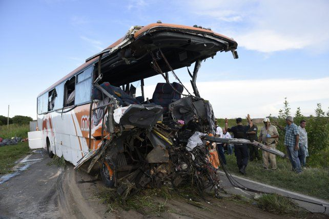 El choque entre dos colectivos de Monticas el viernes pasado terminó con la vida de 12 personas y dejó un saldo de 34 heridos.