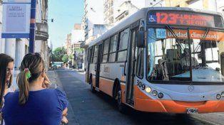 Ocho líneas de colectivo dejarán de circular en el centro por calle Rioja