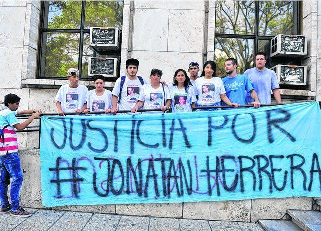 Los familiares de Herrera se reunirán una vez más frente a Tribunales a esperar el juicio oral.