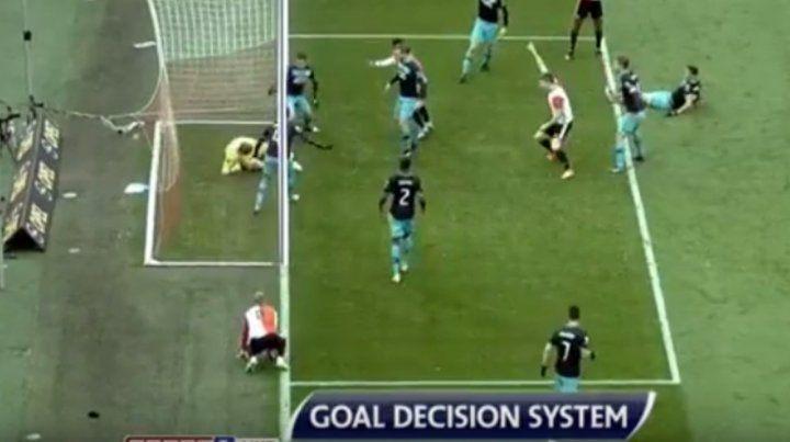 Marche un telebeam. Una alarma en el reloj le indicó al árbitro que había sido gol.