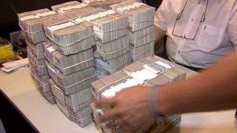 fajos. Hace un año los billetes de $100 eran el 92% del total. Hoy son cerca del 70% y piensan llevarlos al 20%.