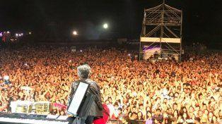 Fito tocó ante una multitud en el Cosquín Rock.