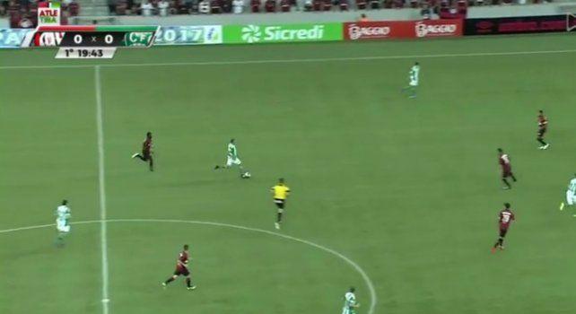El partido terminó 2 a 0 a favor de Atlético Paranaense y fue seguido por más de 3