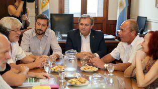 El ministro Farías se reunió con los representantes de UPCN y ATE.