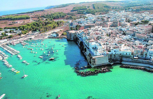 Desde el aire. Otranto se encuentra en la provincia de Lecce
