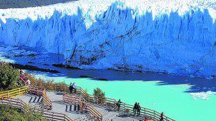 Imponente. El glaciar Perito Moreno y su cada vez más visitado mirador.