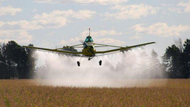 El proyecto permite las fumigaciones aéreas