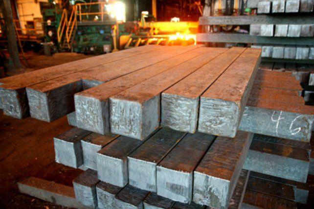 En picada. La producción de acero cayó 27