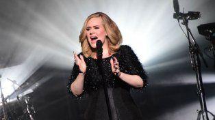 La cantante británica está casada con el fundador del grupo humanitario drop4drop.