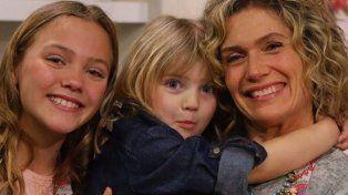 Maru con dos de sus hijas.