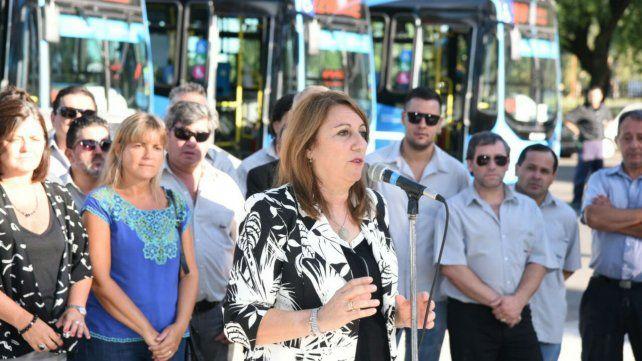 Fein presentó nuevos colectivos y aspira a que Rosario tenga el mejor transporte del país