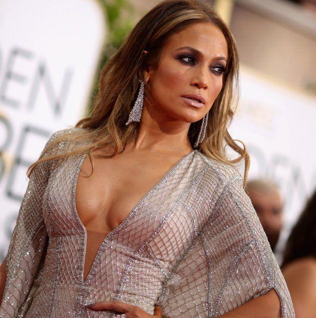 Jennifer López desplegó su sensualidad al bailar en vivo en pleno programa de TV