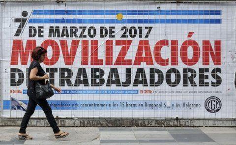 convocatoria. La movilización contra las medidas económicas tiene un amplio respaldo político y gremial.
