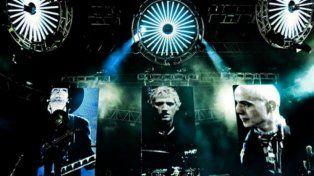El trío histórico. El espectáculo Sépt7imo Día se inspira en la estética del universo de Soda Stereo.