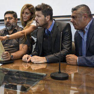 Tinelli, que sería candidato, es uno de los que solicitó que se posterguen las elecciones.