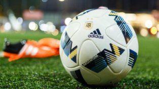 La pelota volverá a rodar en las canchas del fútbol argentino.