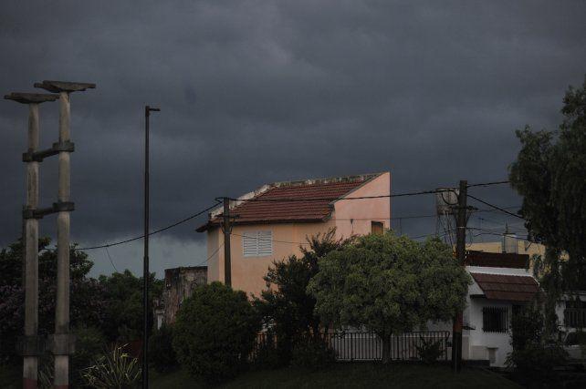 Rige un alerta metereológico en la región por tormentas y posible caída de granizo