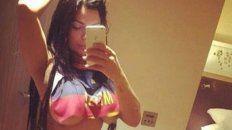 la miss bum bum, fanatica de messi, publico fotos hot para festejar la remontada de barcelona